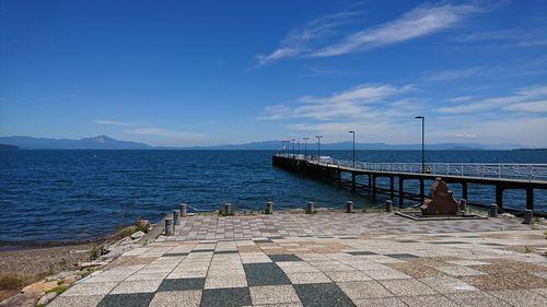 琵琶湖と歌碑.jpg
