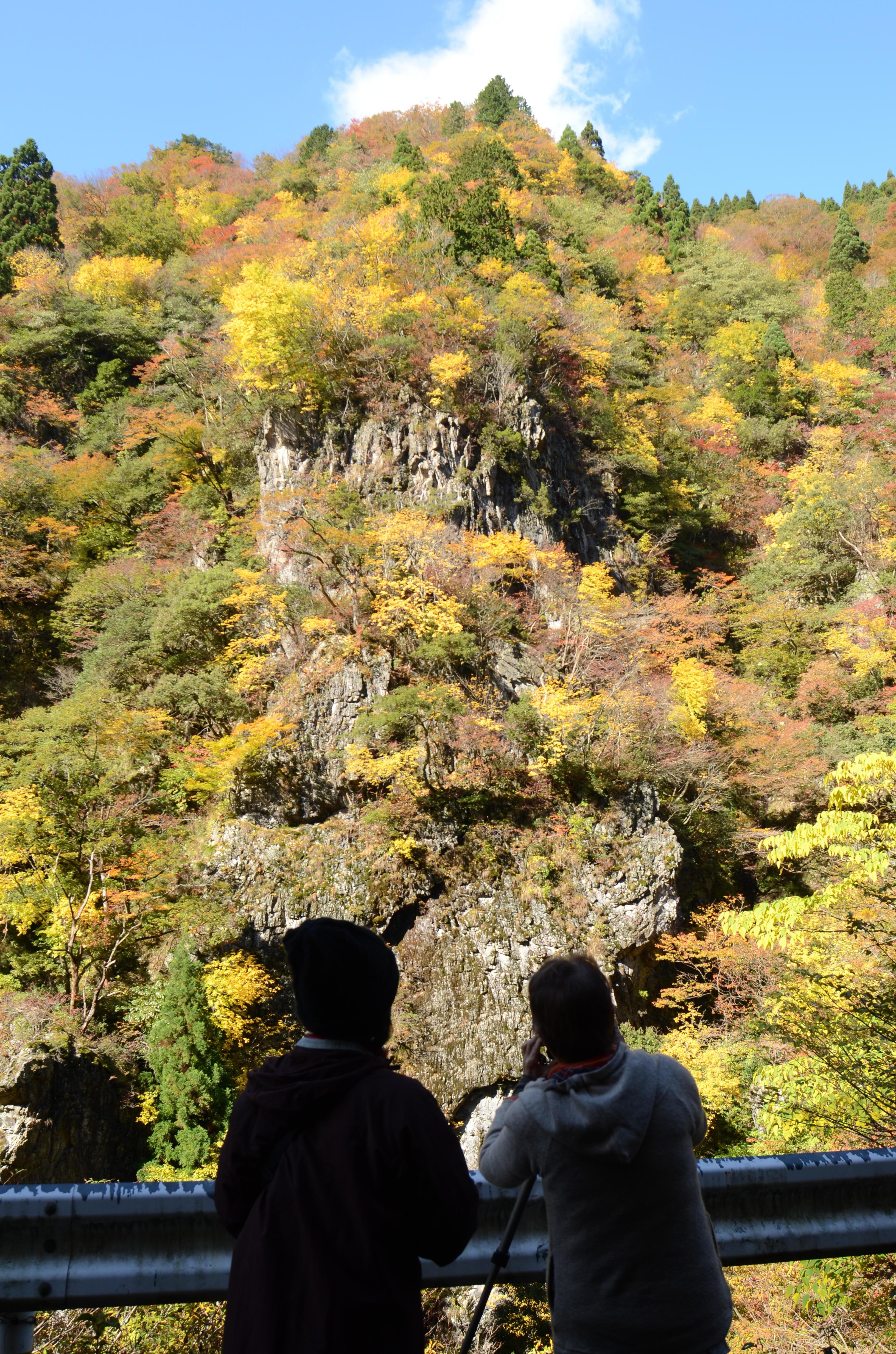 錦秋の天狗岩