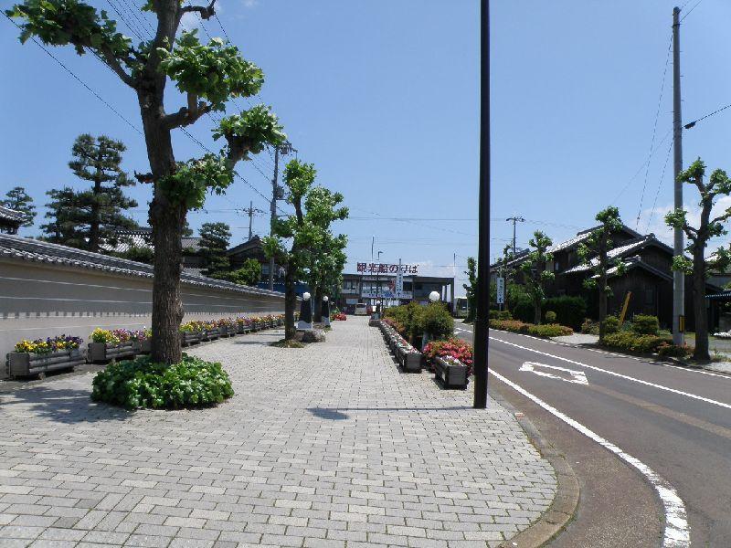 DISCOVERWESTハイキング地元ガイドとまち歩き JR近江今津駅から始まる「まちなか」ガイド
